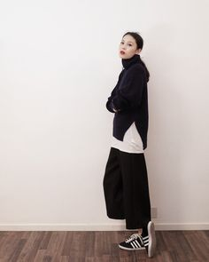 structured shape wide pants
