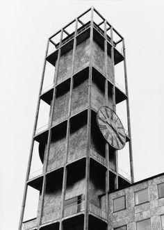 SANDFELD ▲ STYLE Arne Jacobsen - Rathaus Aarhus, 1942 Scandinavian Architecture, Industrial Architecture, Art And Architecture, Scandinavian Design, Aarhus, Arne Jacobsen, Arno, Modern, Tree Houses