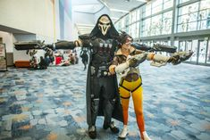 Overwatch cosplay: Reaper and Tracer
