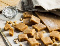 maapähkinä fudge Best Chocolate Cake, Chocolate Muffins, Oreo Fudge, Gingerbread, Sweet Treats, Chips, Baking, Breakfast, Food