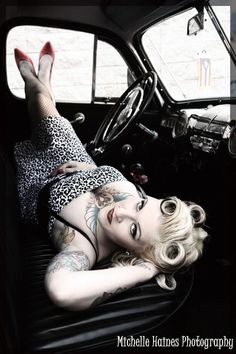 vintage car pin up