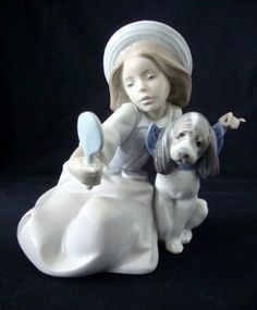 BEAUTIFUL LLADRO FIGURINE 'WHO'S THE FAIREST ?' GIRL WITH DOG 5468