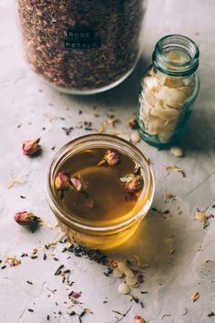 Healing Herbs, Medicinal Herbs, Natural Medicine, Herbal Medicine, Salve Recipes, Mountain Rose Herbs, Homeopathic Remedies, Calendula