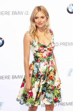 I love this Dolce & Gabbana dress that Sienna Miller is wearing, she looks stunning.
