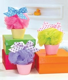 Delightfully sweet-scented Cupcake Soap Treat Gift Set is an ideal gift anytime. Colorful bath puff turns any soap or body wash into luxurious lather. Fun cake