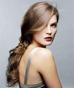 Makkelijke lage staart... mooi lang en vol met flip in hair of Dante couture Miracle Wire hairextensions.