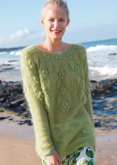 Grüner Pullover mit Blattmuster, Garnpaket zu Modell 1 aus Rebecca Nr. 61, ggh-Garn KID & KID MELANGE ).
