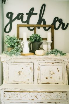 Fall Home Tour // Ways to decorate your home for fall // Fall Home Decor Tips // Lynzy & Co.
