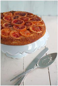 Blood Orange Upside Down Polenta Cake made in a cast iron skillet. Iron Skillet Recipes, Skillet Cooking, Yummy Treats, Sweet Treats, Skillet Cake, Polenta Cakes, Pumpkin Pecan Pie, Roasted Strawberries, Sugar Cake