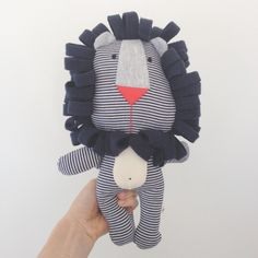 Lion - Felix the Fierce Lion – Hunter Baby Handmade Stuffed Animals, Sewing Stuffed Animals, Stuffed Toys Patterns, Baby Sewing Projects, Sewing For Kids, Toddler Toys, Kids Toys, Peluche Lion, Couture Bb