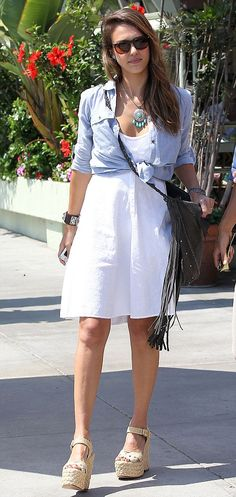 Jessica Alba looks great in everything!!