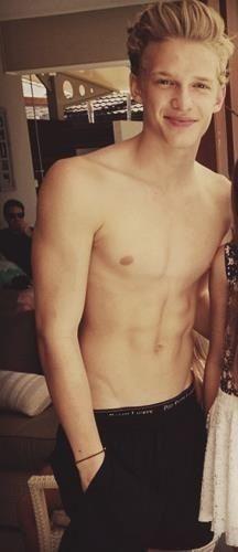 Oh my god!!! My love Cody Simpson <3 <3 <3 <3