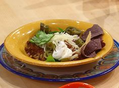 Low Carb Entrée Recipe. Rachael Ray's Touchdown Chili just happens to be naturally low carb! I love this recipe because you don't have to change anything. There is no added tomato or beans to work around or cut out. After you taste the reconstituted peppers in the broth you will never go back to tomato and bean based chili again. Just make sure to skip the tortilla chips to keep this chili low carb.    Best of all, this chili recipe is even better the next day.