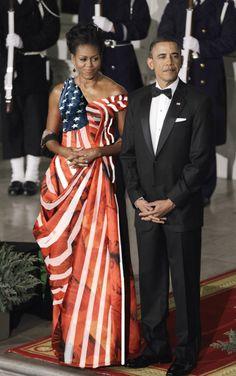 President Barack Obama & First Lady Michelle Obama. Michelle Obama Fashion, Michelle And Barack Obama, Black Presidents, American Presidents, American Flag, Presidents Usa, American Pride, Joe Biden, Blake Lively