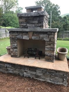 Hottest Photos Outdoor Fireplace diy Style However a great deal a person layout the house on the inside; correct outdoor layout that leaves the maximum e. Outdoor Fireplace Plans, Outside Fireplace, Outdoor Fireplace Designs, Backyard Fireplace, Diy Fireplace, Outdoor Fireplaces, Backyard Patio Designs, Backyard Fences, Fire Pit Backyard
