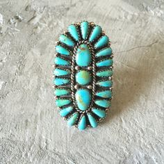 Etsy の Vintage Zuni Cluster Turquoise Silver Ring by LoveandArrow