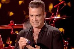 A Robbie Williams le dan asco sus fans