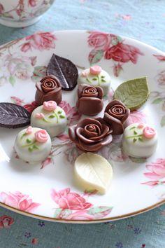バラのお菓子はこんな感じでした~StudioLilyバラのお茶とお菓子とテーブルレッスンの画像 | Lilyのお茶時間inSingapore