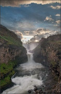 Amazing Snaps: White River Falls, Oregon