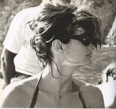 jackie: i love this side profile,.. windswept hair, those shades (of coarse!)not at all coiffed!