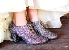 10 Unique Mod Podge Shoe Restyles #modpodge #shoes #crafts