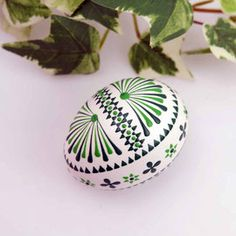 Egg Art, Egg Decorating, Holiday Crafts, Easter Eggs, Diy And Crafts, Wax, Creative, Mandalas, Paint