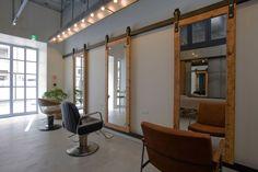 Ki Se Tsu Hair Salon / iks design. Love the sliding mirrors!