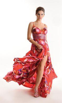 Vestido longo vermelho com estampa floral em seda pura. Riquíssimo bordado em canutilhos coloridos. Cod. 0188