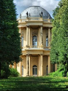 :      Belvedere auf dem Klausberg - what a beautiful example of Neoclassicism.