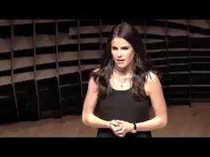 Karla Souza, cómo la adversidad se puede usar a tu favor. http://www.Acc...