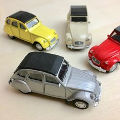 voitures miniatures Courses, Boutique, Toys, Car, Miniature Cars, Activity Toys, Automobile, Clearance Toys, Gaming