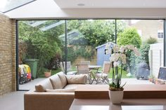 Modern Patio Doors: Bi Fold Doors vs Sliding Doors – Slim Frame Sliding Glass Doors – Minimal Windows
