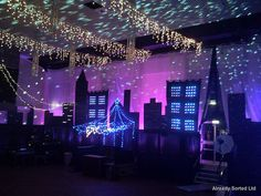 Caedmon Hall - Hild and Bede College. Room Decorated for a Christmas in New York themed ball. Homecoming Decorations, Homecoming Themes, Prom Decor, School Dance Decorations, Homecoming Dresses, Gala Decor, Homecoming Dance, Middle School Dance, School Dances