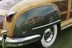 National Woodie Club.Neat reflection in the rear fender!