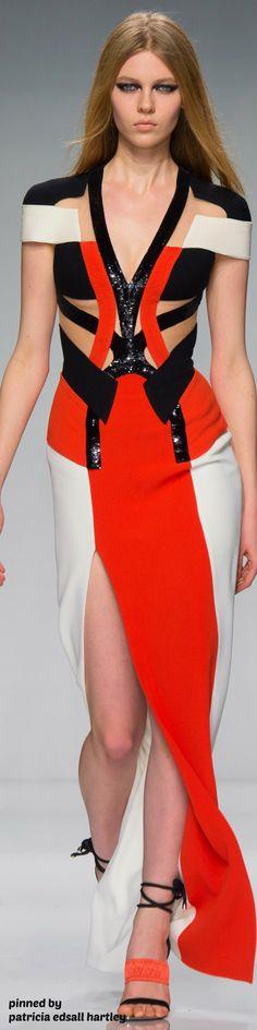 Atelier Versace Spring 2016 Couture Fashion Show Look Fashion, High Fashion, Fashion Show, Fashion Design, Cheap Fashion, Fashion Spring, Couture Fashion, Runway Fashion, Womens Fashion