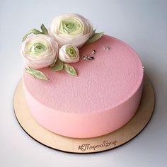 Обожаю ранункулюсы Мне кажется, в них особая, магическая нежность #вафельныецветы #ТортаВкус #цветы_тортавкус