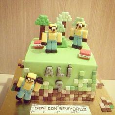 Minecraft Minion Skin Cake