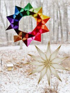 déco fenêtre Noël - deux modèles d'étoiles multi-branches et multicolores