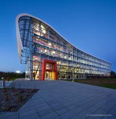 L'édifice de GSK à Québec. Architecture audacieuse. Intérieur en bois.