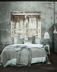 Nieuw leven | styling Cleo Scheulderman fotografie Jeroen van der Spek #bedroom #grey #green