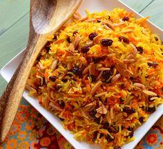 Carrot and raisin basmati rice medium onion, sliced 4 cups freshly shredded carrots 2 tbsp vegetable oil 2 cups water 1 1/2 tsp salt 3/4 cup raisins 1 1/2 cups white basmati rice