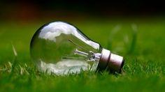 Eclairage, spots, ampoules : où trouver des LED pas cher pour économiser l'électricité  Voilà une bonne idée pour faire baisser votre facture d'électricité : les ampoules LED. Dans cet article, je vais vous montrer comment économiser plus d'une centaine d'euros par an grâce à elles, et surtout...