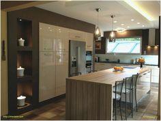 Central kitchen island in 30 original ideas Küchen Design, Interior Design, Trendy Furniture, Furniture Design, Central Kitchen, Wooden Kitchen, Kitchen Colors, Vases Decor, Kitchen Island