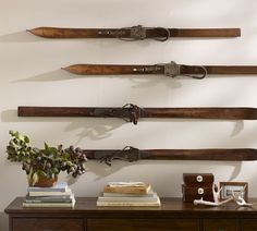 Love this idea with the skis for winter decor! Happen to have old skis in the attic...