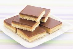 Each piece has the surprise of sticky caramel sandwiched between the chocolate and biscuit layers.