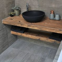Her er årets trender 2018 - Marianne Haga Kinder Diy Bathroom Vanity, Wood Bathroom, Small Bathroom, Bathroom Design Luxury, Modern Bathroom Design, Interior Design Kitchen, Upstairs Bathrooms, Rustic Bathrooms, Wc Design