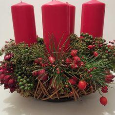 Adventskranz  Efeu und Beeren
