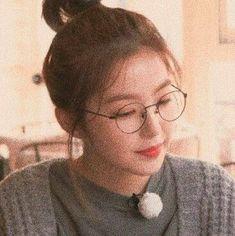 Irene Red Velvet, Red Velvet Seulgi, Black Velvet, K Pop, Btob, Shinee, Red Velet, Hyuna, Kpop Aesthetic