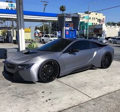 Chrome BMW i8 .  Follow @MyaaFranee for more luxurious lifestyle posts ✨