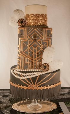 Leslie Bruckman of Nom Nom Sweeties' - Great Gatsby inspired wedding cake. Cake Central Marvelous Molds winner